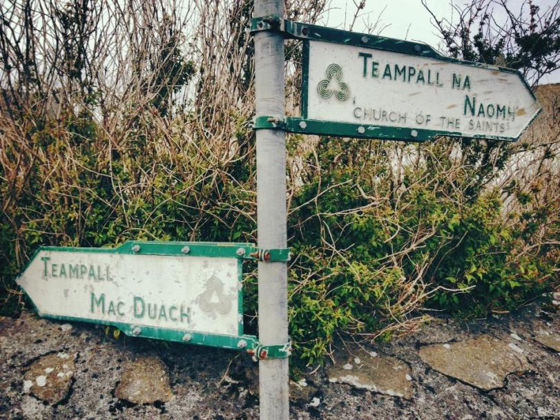 Signs in Gaelic and English