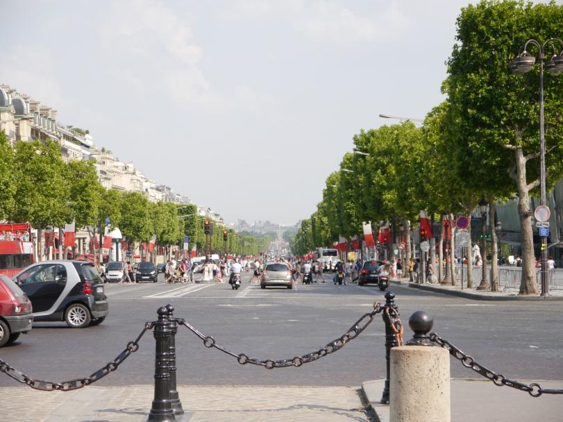 The famed Avenue des Champs-Élysées!