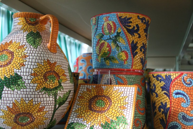 A close-up look of the Mosaics. I grabbed one of the pitchers and hot plates for myself!