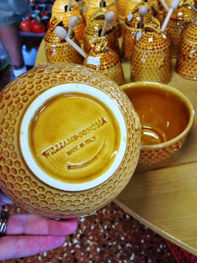The adorable Honey Pots! We got one for 8E ($11), but I saw that in the store in the States they would sell for $25!