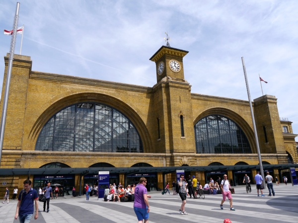 From the markets to the British Museum, we got off at King's Cross Station, home to the famed Harry Potter platform!