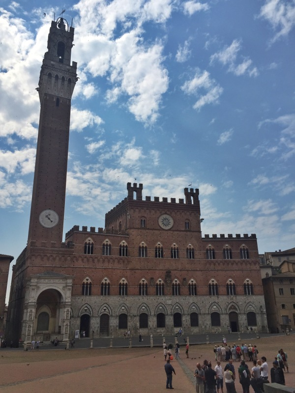 Il Campo, the main square in Siena.