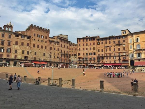 Il Campo, the main square