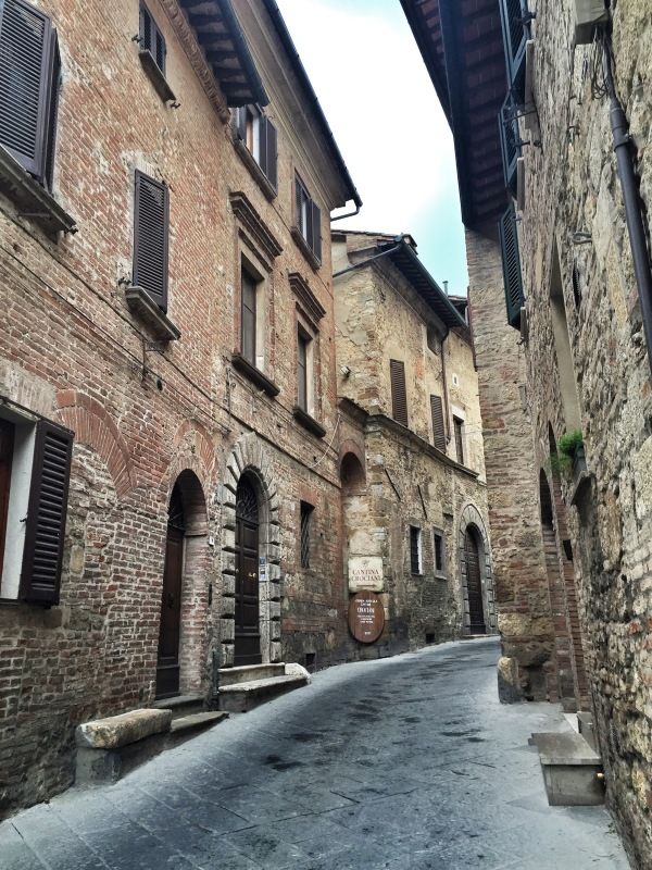 The quiet streets of Montepulciano...much less touristy and just as pretty as the other towns.