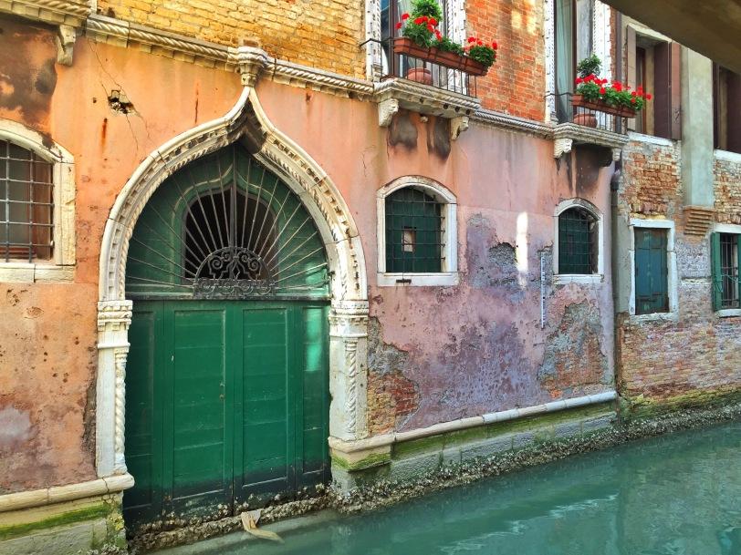 A garage, Venice-style.